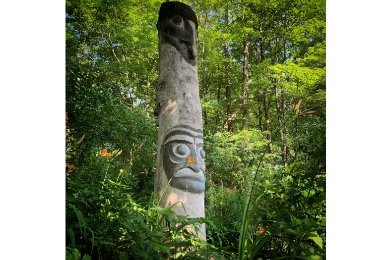 Copy of 9. Totem in the Herb Garden